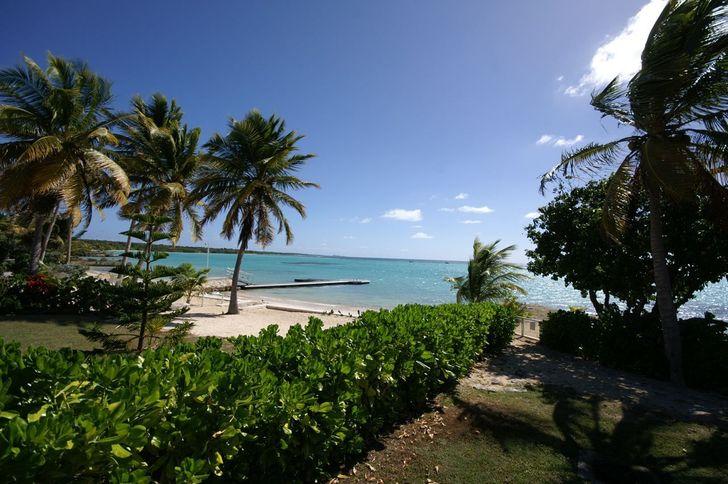 Villa Blanche 3 chambres, le luxe devant le lagon à 180° plage (cliquez)