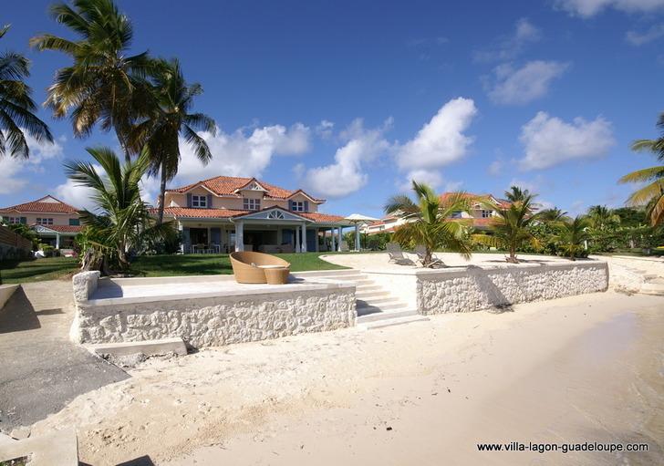 Villa Prestige Front de mer 6 chambres Guadeloupe (cliquez ici)