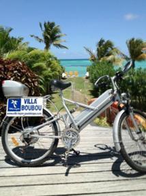 Vélo électrique dans la villa Boubou en Guadeloupe (cliquez pour agrandir)